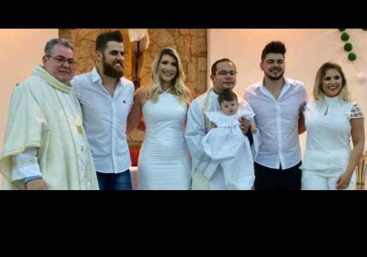 Zé Neto batiza Pietra, filha de Cristiano