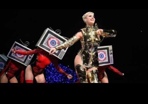 Caminhão de Katy Perry sofre tentativa de assalto no Rio de Janeiro
