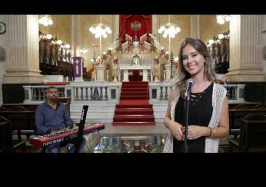 """""""Nas asas do Senhor"""", novo cover de Ana Julia Pettini"""