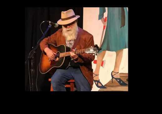 M�sico David Olney morre em cima do palco aos 71 anos